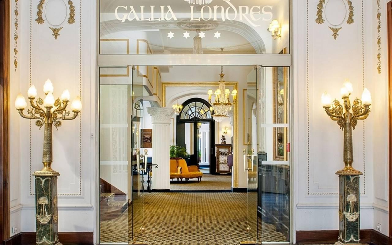 Entrance hall, trip to Lourdes, Hôtel Gallia