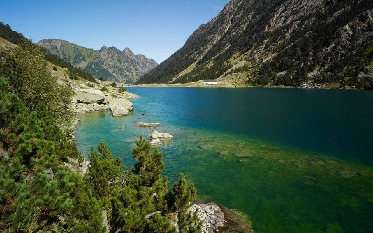 Lake, activities stay in the Hautes Pyrenees, Hôtels Vinuales