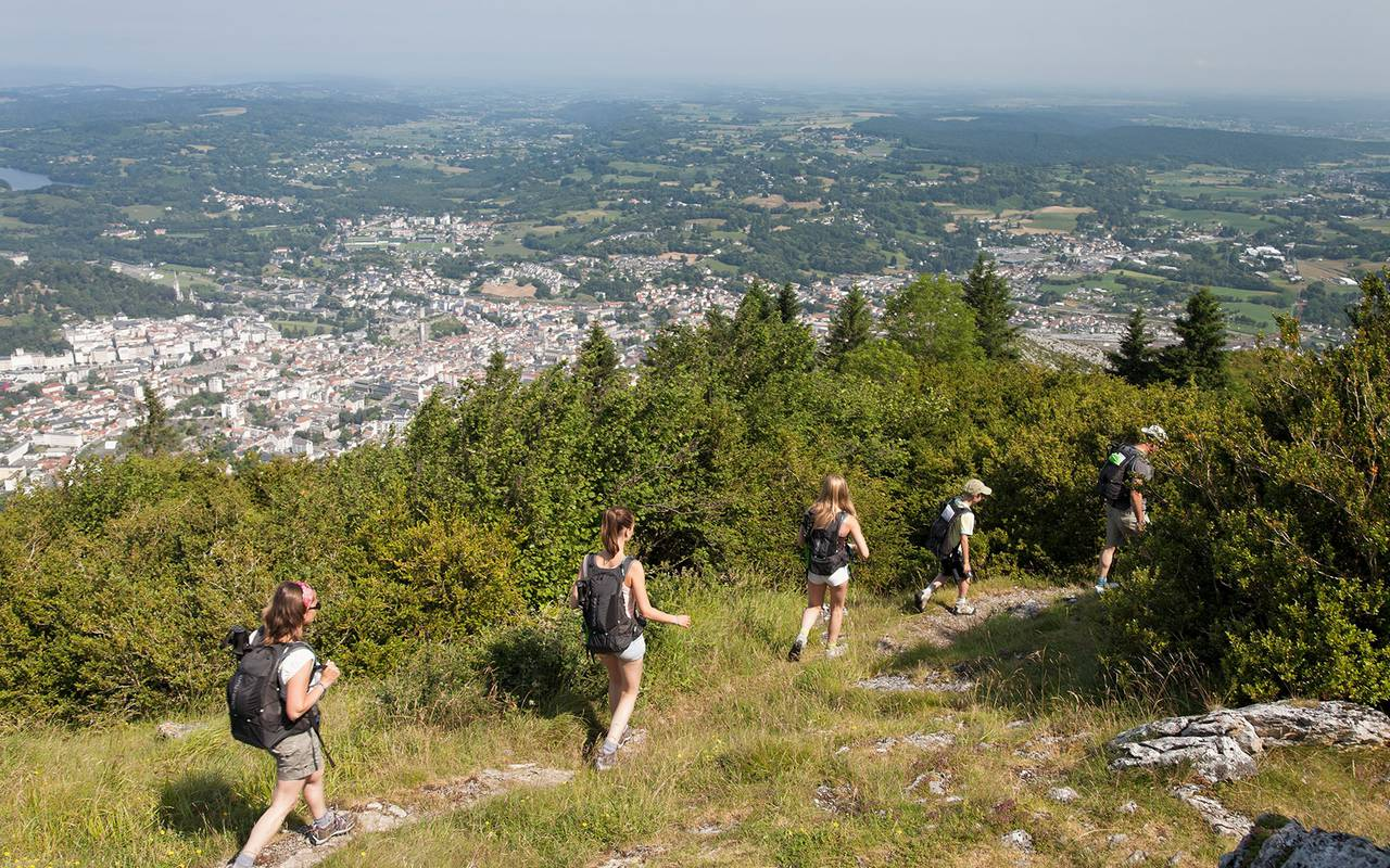 Hiking, stay in the hautes pyrénées, Hôtels Vinuales