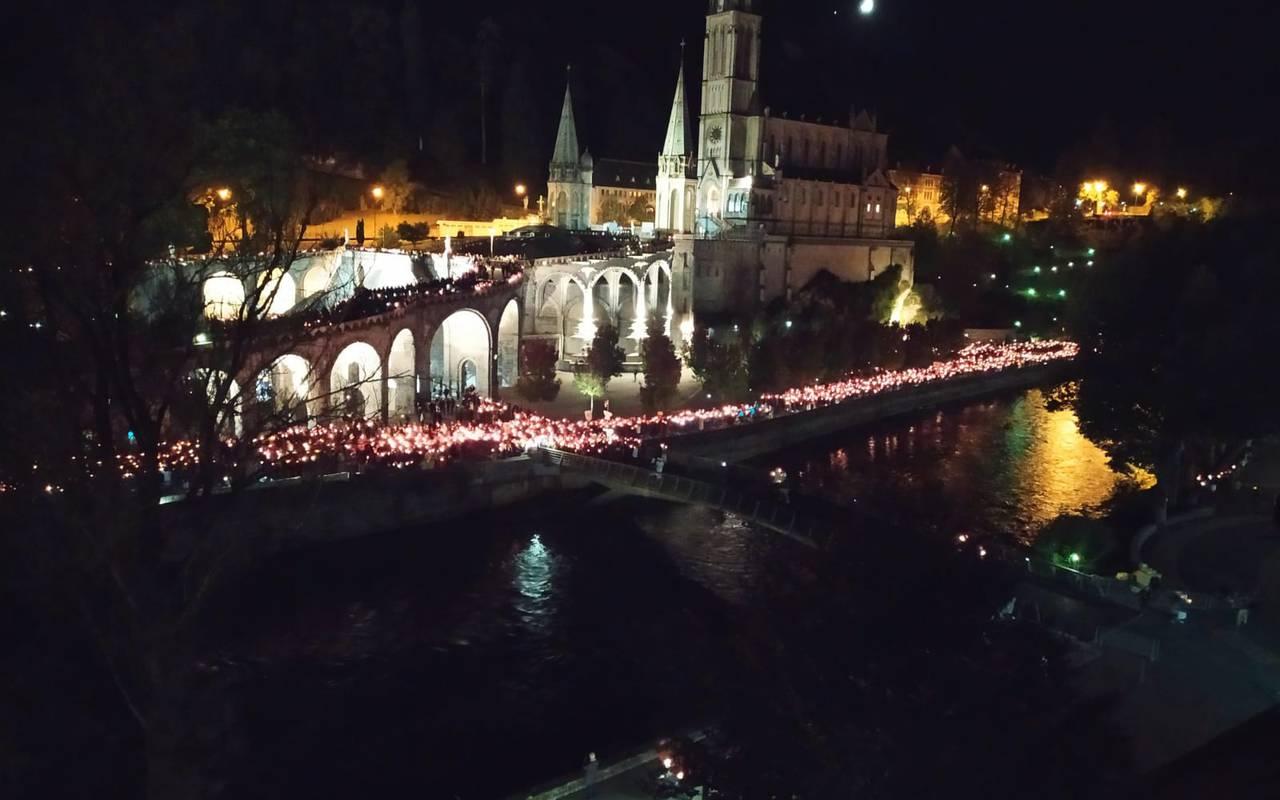 Lourdes place, Lourdes activities pilgrimage, Hôtels Vinuales