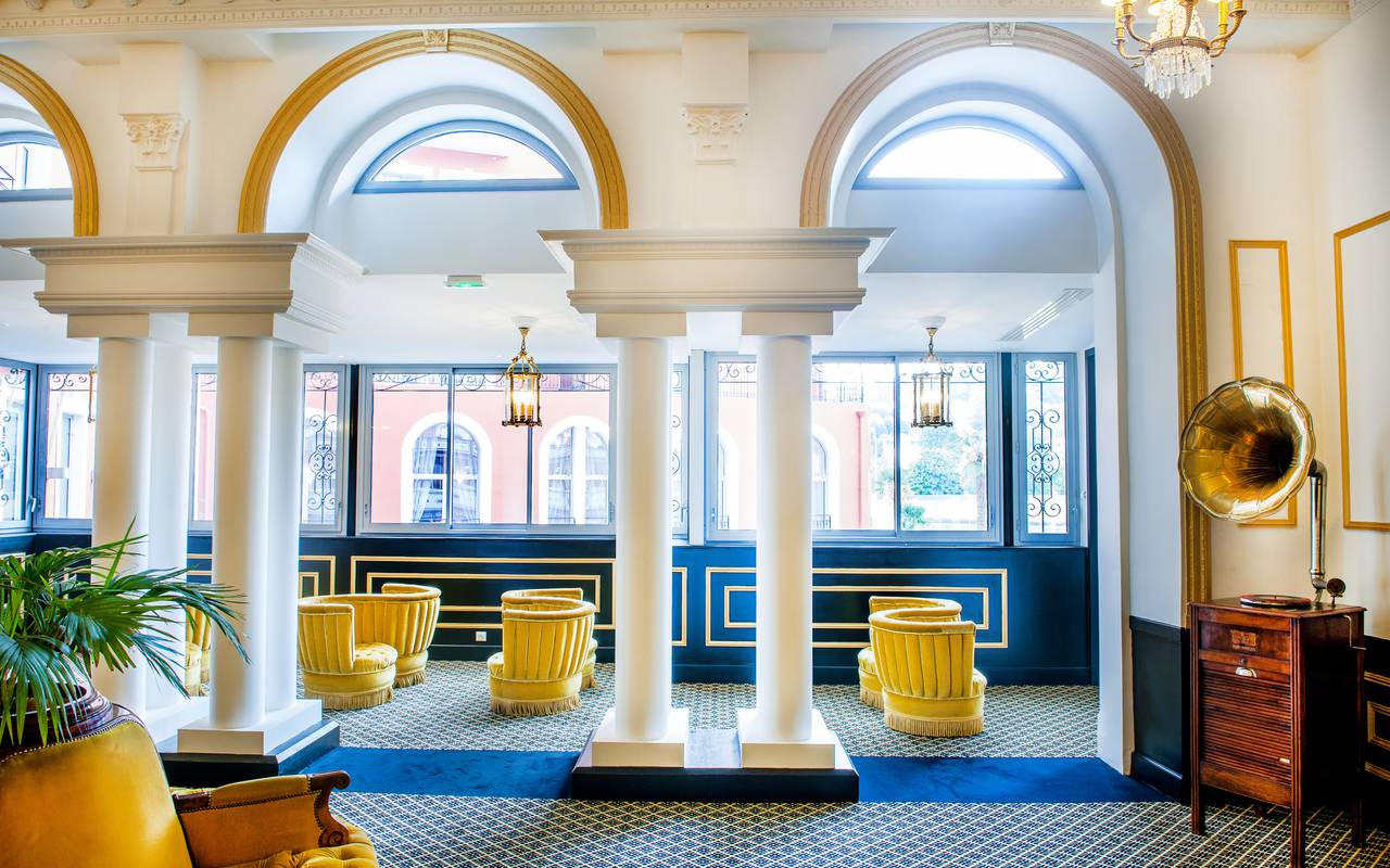 Hall lounge, hotel spa Lourdes, Hôtel Gallia Londres