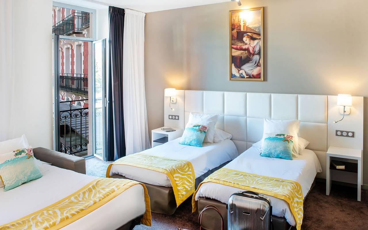 Chambre avec 3 lits, hôtel 4 étoiles Lourdes, Hôtel Gallia Londres