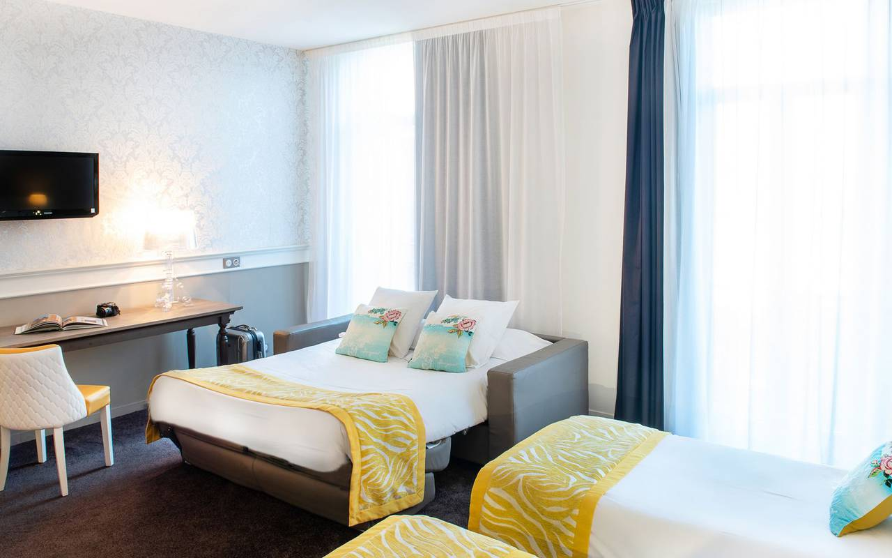 Chambre pour 4 personnes, hôtel 4 étoiles Lourdes, Hôtel Gallia Londres