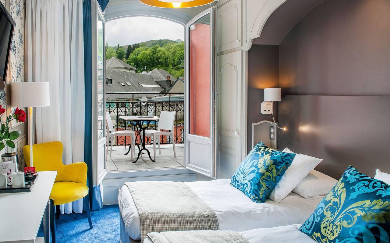 Chambre avec balcon, hôtel 4 étoiles Lourdes, Hôtel Gallia