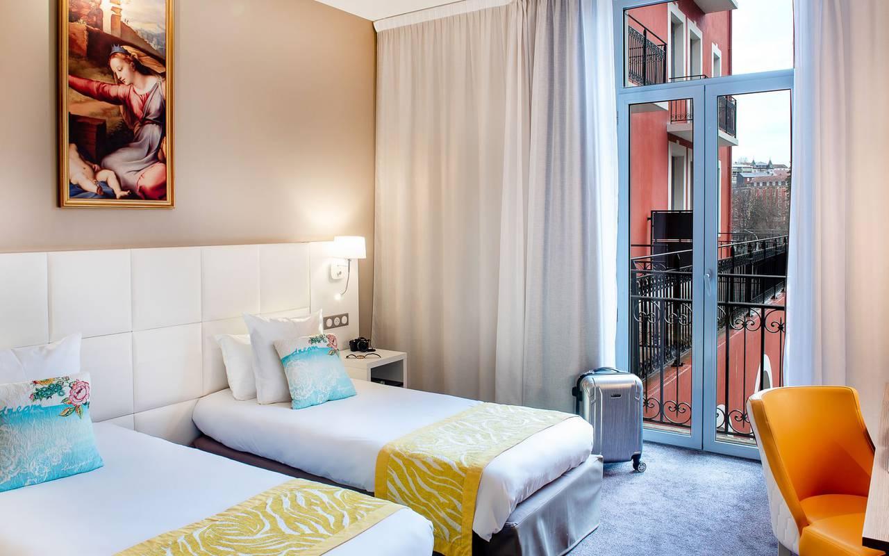 Chambre lumineuse, hôtel 4 étoiles Lourdes, Hôtel Gallia