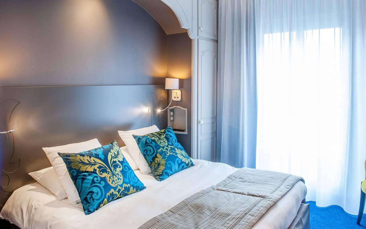 Chambre lumineuse, hôtel romantique Pyrénées, Hôtel Gallia Londres