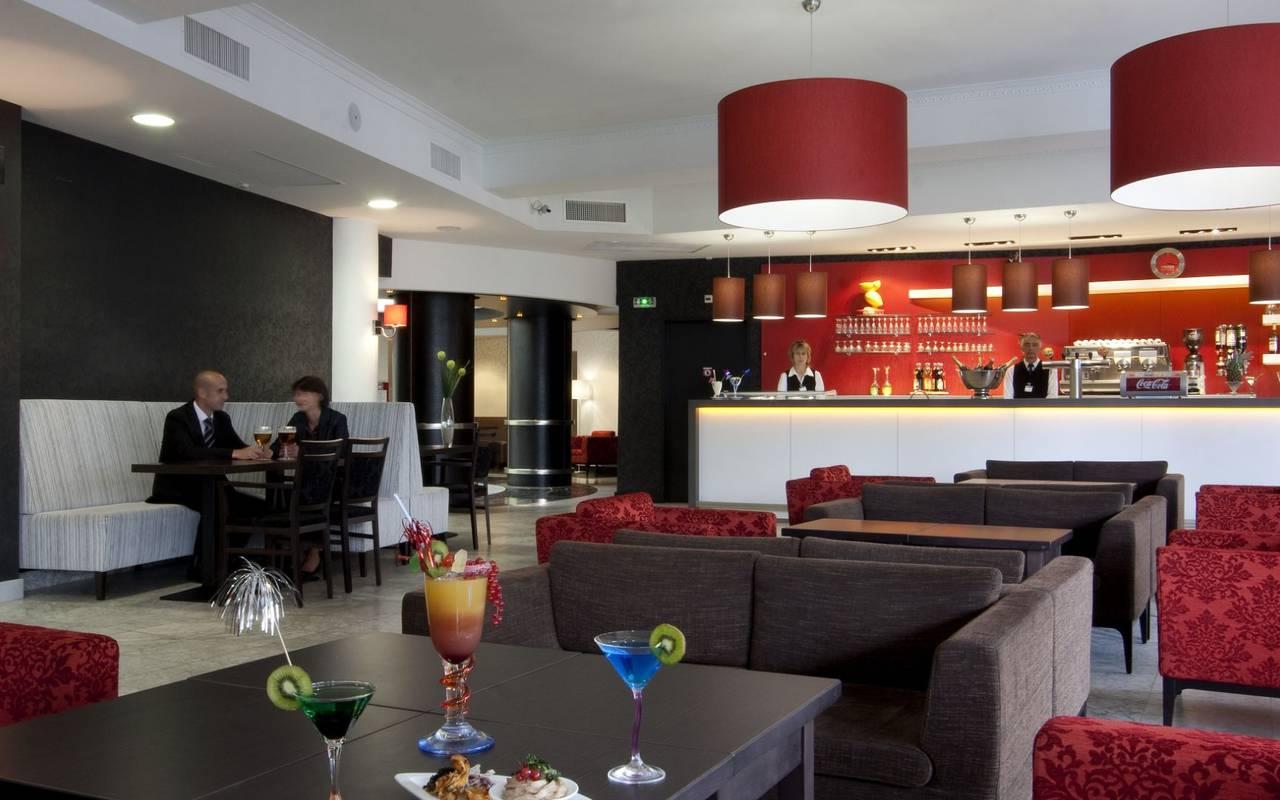 Bar, hébergement Lourdes, Hôtels Vinuales