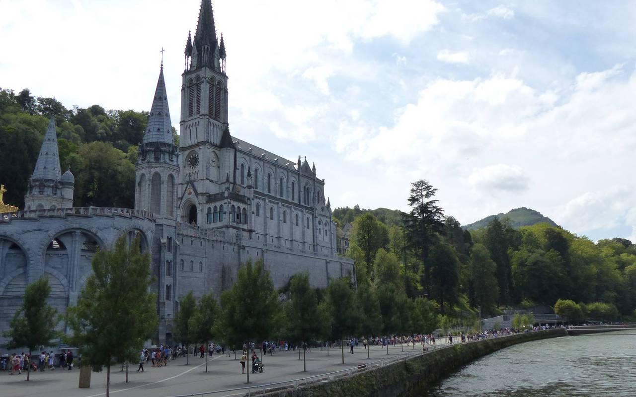 Sanctuaire de Lourdes, séjour hautes pyrénées, Hôtels Vinuales