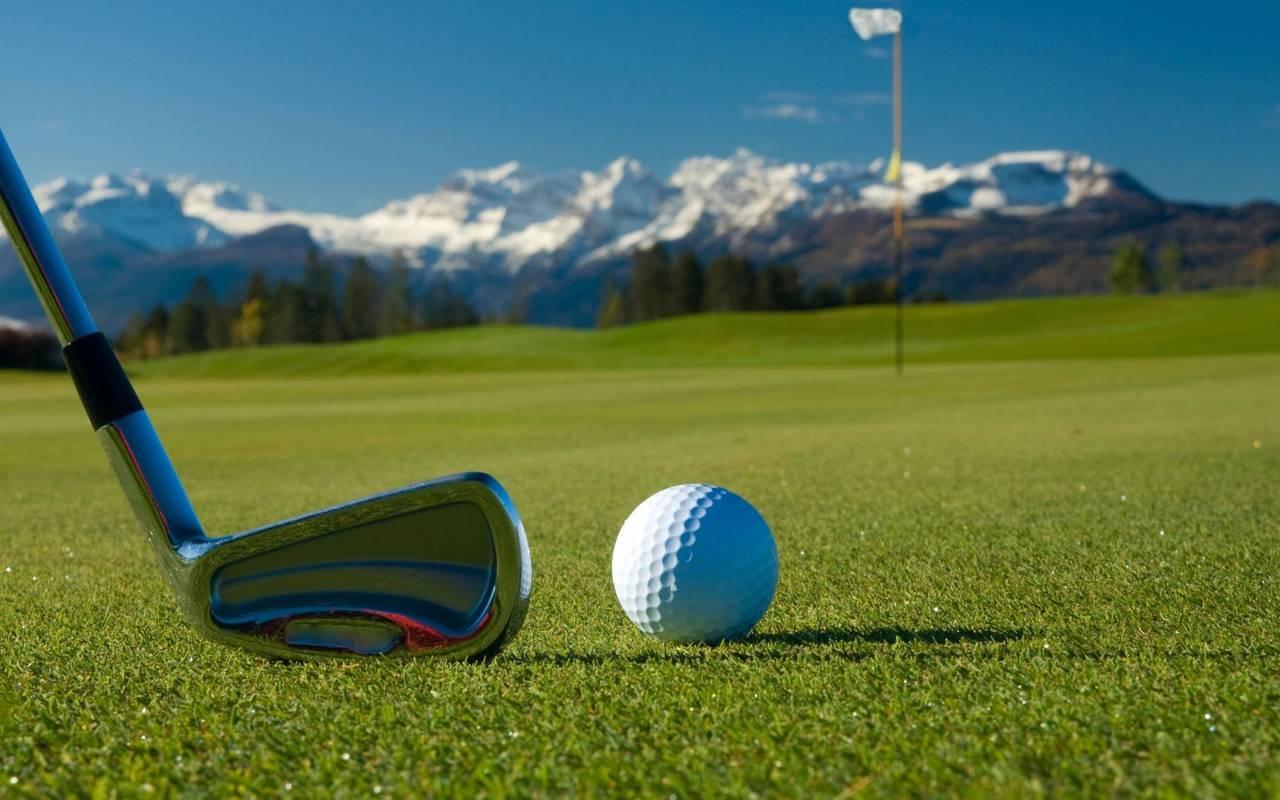 Club et balle de golf, hôtel spa Hautes Pyrénées, Hôtel Gallia Londres